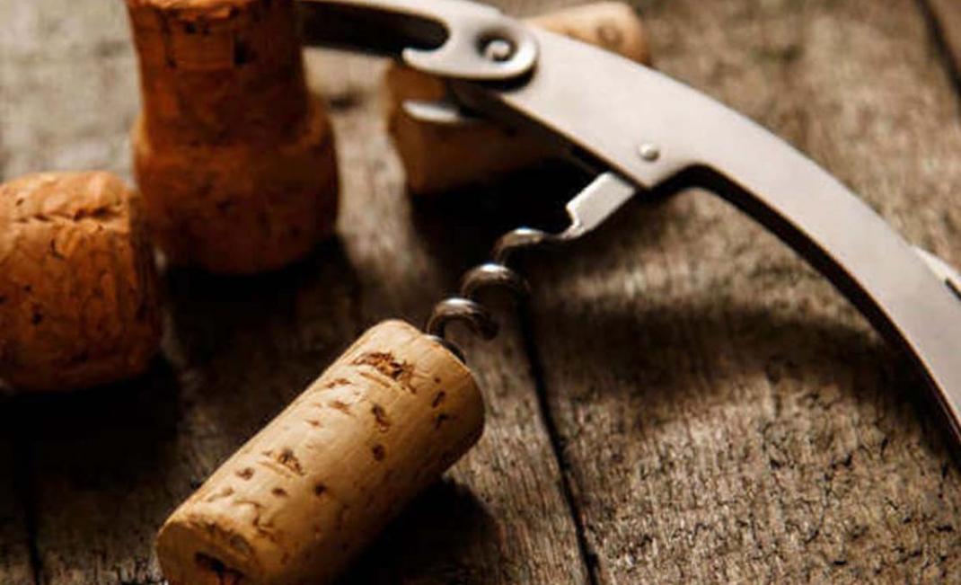 bistecca-con-bottiglia-682x3511-682x351